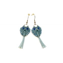 Boucles d'oreilles en macramé en forme de hibou bleu