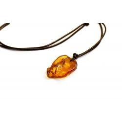 Collier d'ambre de forme irrégulière