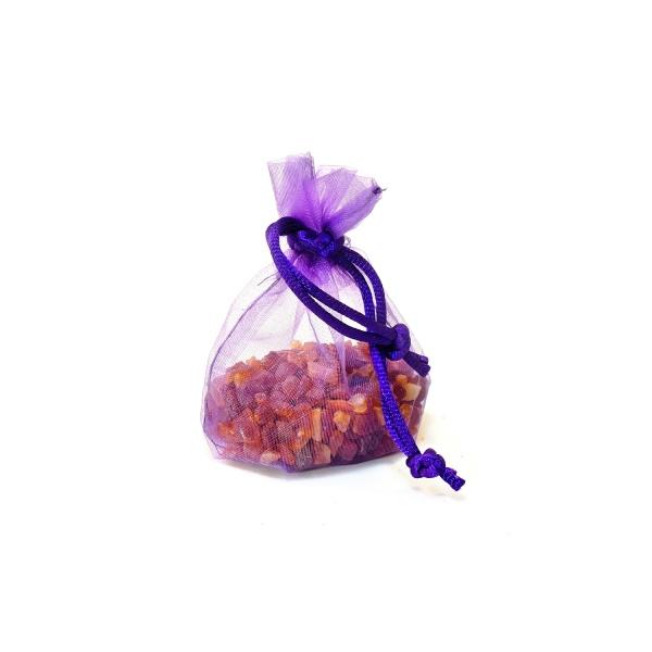 Pépites d'ambre dans un petit sachet violet